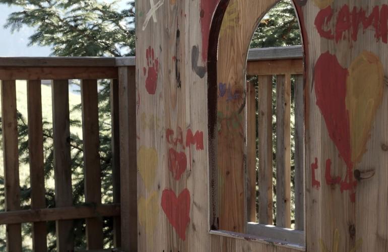 Das Kinderschloß auf der Holzterrasse