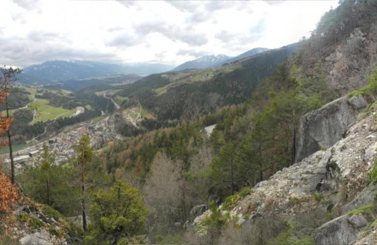 Il terreno ripido  permette una vista incredibile su Rio Pusteria